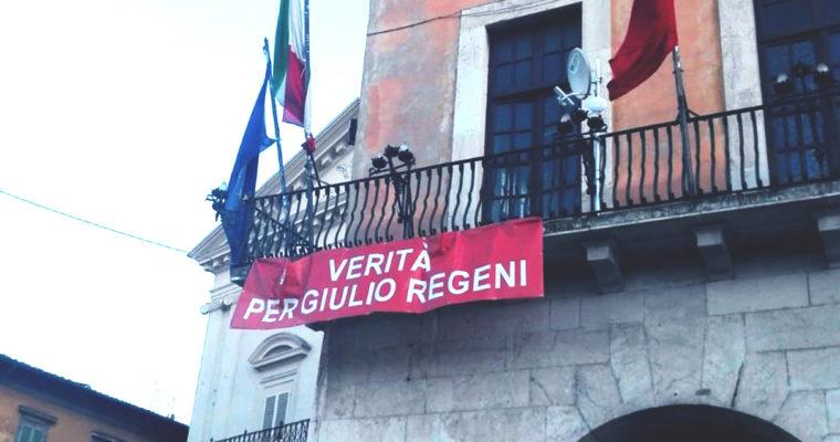 Pisa diventa leghista e sparisce lo striscione per Giulio Regeni
